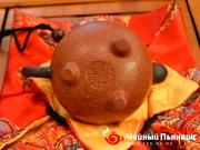 <p>Форма: Си Ши. Назван в честь одной из четырех великих красавиц Древнего Китая Си Ши. Его прекрасная полная форма напоминает круглое лицо красавицы Си Ши.  Мастер: Тао Цзанинь</p>